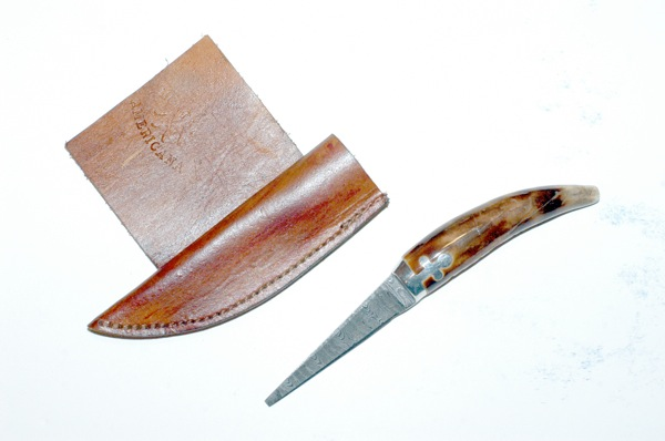 Unicorn knife by Redwing